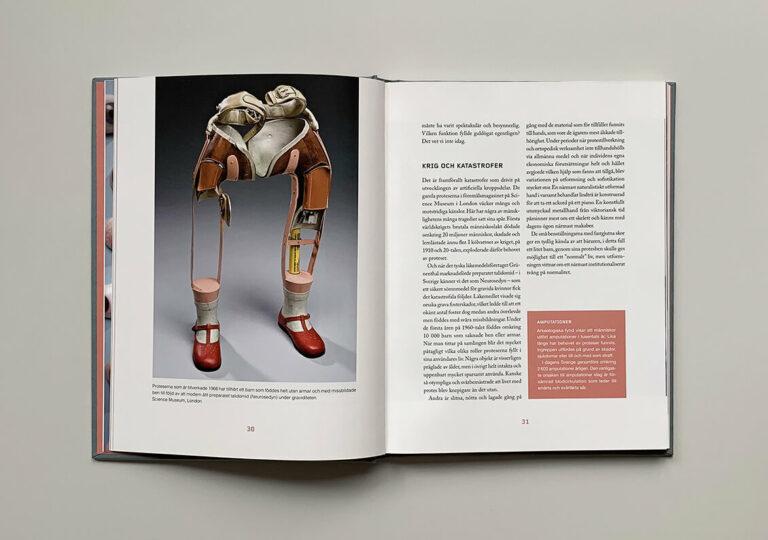 """Uppslag med bild på barnprotes i boken """"Du sköna nya människa"""""""