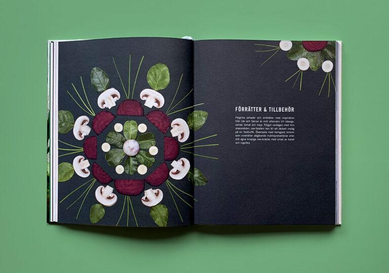 """Uppslag med kapitelstart med titeln """"Förrätter och tillbehör"""" i boken """"En grön kärleksaffär"""""""